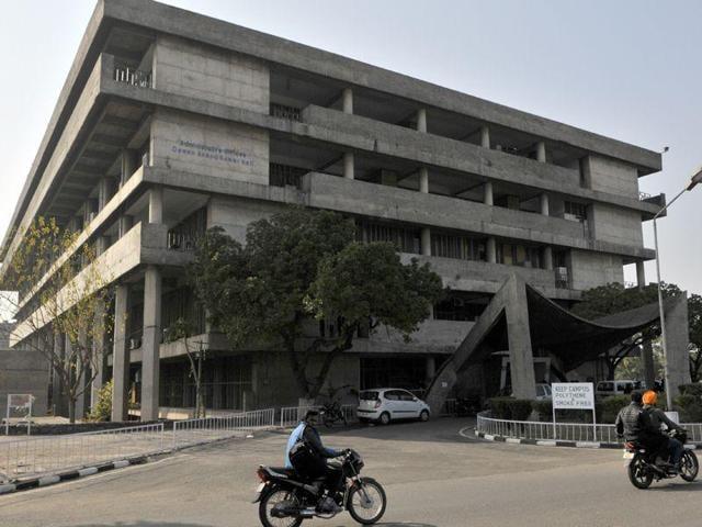 Panjab University,Chandigarh,Senators