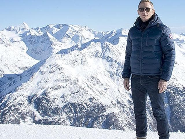 British actor Daniel Craig poses in front of a Tyrolean Alps panorama during a photo call of the new James Bond film Spectre in the Austrian ski resort of Soelden on January 7, 2015.
