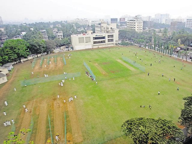 Mumbai open spaces,Oval maidan,Azad maidan