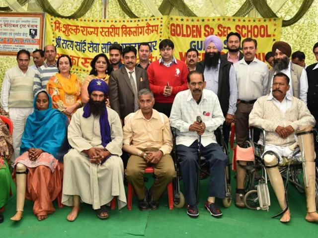 The samiti has already provided artificial limbs to 2,200 handicapped persons during its previously held 19 annual camps in the northern region.