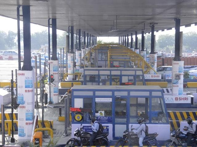 The Centre plans to implement radio tag-enabled electronic toll collection (ETC) systems across all highways by March 2016 and has decided to make ETC lanes as a mandatory clause in the new highway building contracts.