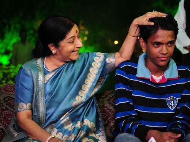 External Affairs minister Sushma Swaraj  meeting with Mohammad Ramzan in Bhopal on Sunday.