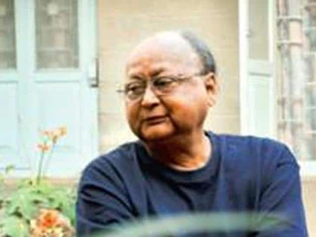Returning his Padma Shri, Jayanta Mahapatra joins the list of Padma awardees returning their awards in protest against the 'growing intolerance' in India. Punjabi writer Dalip Kaur Tiwana, Kannada writer Devanuru Mahadeva and scientist PM Bhargava have also returned their Padma awards.
