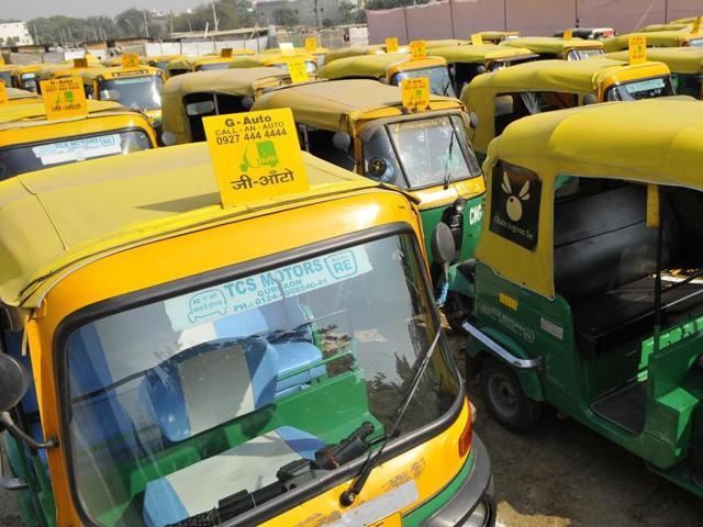 Autodriver robs passengers,New Delhi crime,Autodriver crime