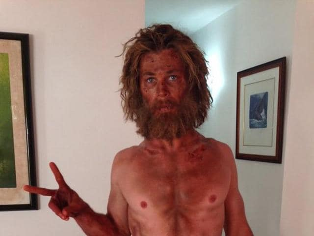 The otherwise buffed up Chris Hemsworth has lost a lot of weight for his upcoming movie In The Heart Of The Sea.