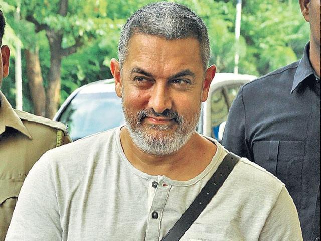 Aamir has expressed alarm over rising communalism, endorsing growing protests by over 50 writers, academics and scientists who have returned top government awards.