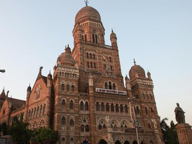 The BMC pays contractors a separate amount for excavation and transportation, which saw rampant malpractices as contractors inflated the quantity of debris and submitted bogus bills.