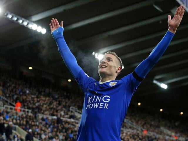 Leicester City's Jamie Vardy celebrates scoring his team's first goal during the EPL match against Newcastle United at St James' Park in Newcastle-upon-Tyne, north east England, on November 21, 2015.