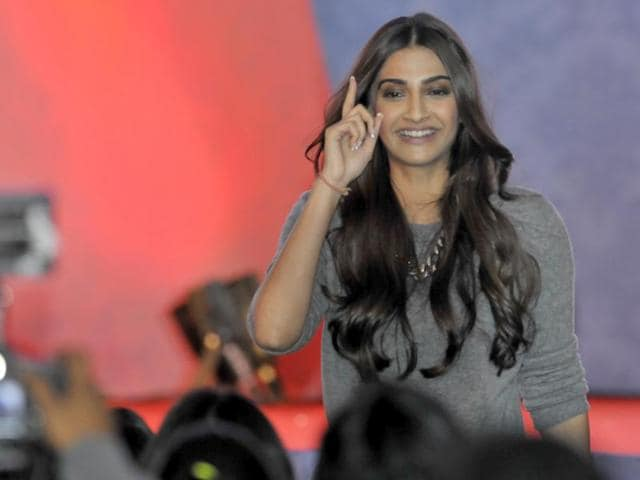 Bollywood actor Sonam Kapoor at HT Youth Forum in Chandigarh on Monday evening.(Gurpreet Singh/HT Photo)