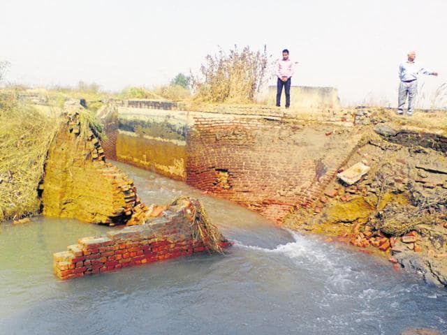 On Monday night, walls of the 71-km Gurgaon Water Supply Canal (GWSC) collapsed and hundreds of acres of adjoining agricultural land were submerged.
