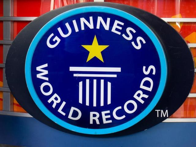 Indian Institute of Technology, Delhi (IIT-D) will host 2,000 school students next month, who will attempt to set a Guinness World Record by performing a chemistry experiment simultaneously.