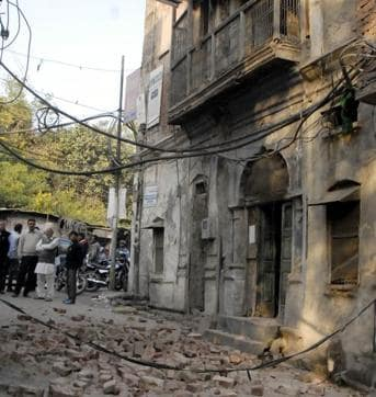 Ludhiana, India – November 27 ::: A portion of a building got collapsed near Daresi Ground on Friday afternoon .Ludhiana on Friday November 27, 2015.Photo by /Hindustan Times