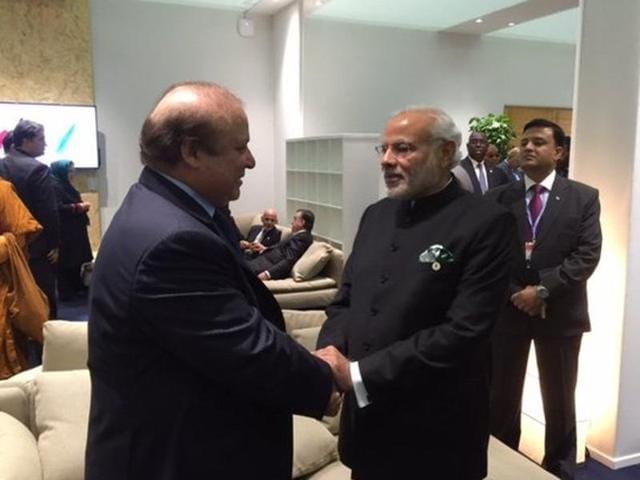 Prime Minister Narendra Modi met Pakistan premier Nawaz Sharif in Paris on the sidelines of the Climate Summit in Paris on November 30, 2015.