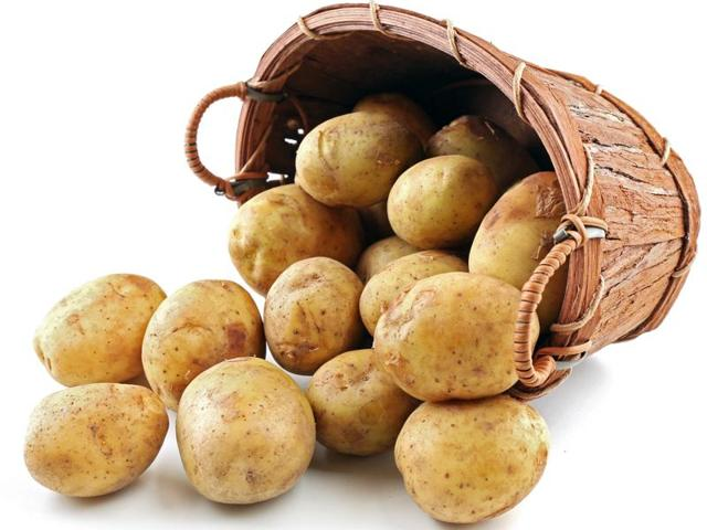 Vitamin C in white vegetables like potato acts as an antioxidant to cut down cellular stress in the stomach and it also fights a bacterium responsible for causing  gastric cancer.