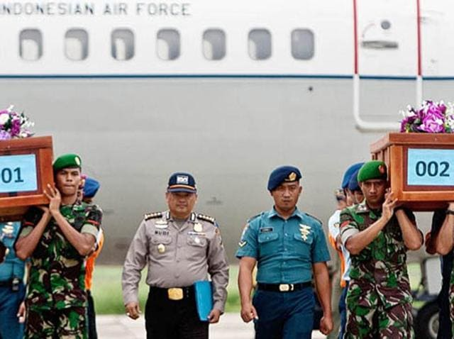 """A faulty component and the crew's """"inability to control the aircraft"""" led to the crash of an AirAsia jet last year."""