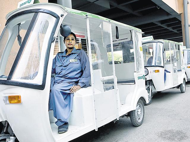 Smart e-rickshaws were first launched at the Madipur Metro station in Paschim Vihar, New Delhi, in October with a batch of 30 all-women drivers.