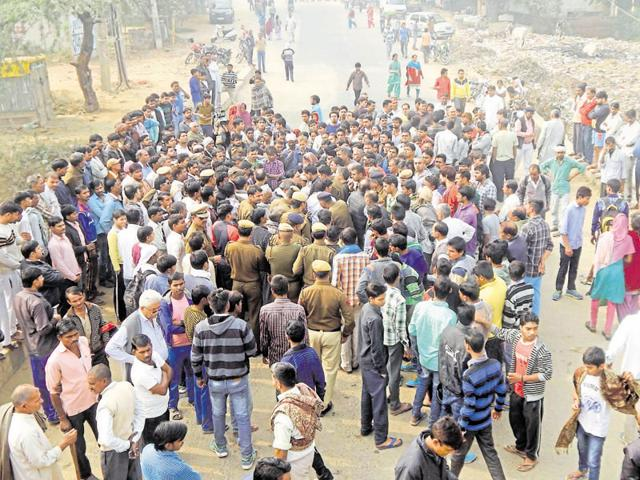 As news of the accident spread, villagers blocked the road and demanded compensation for the boy's family. They did not disperse until the police reached the spot and gave them assurances.
