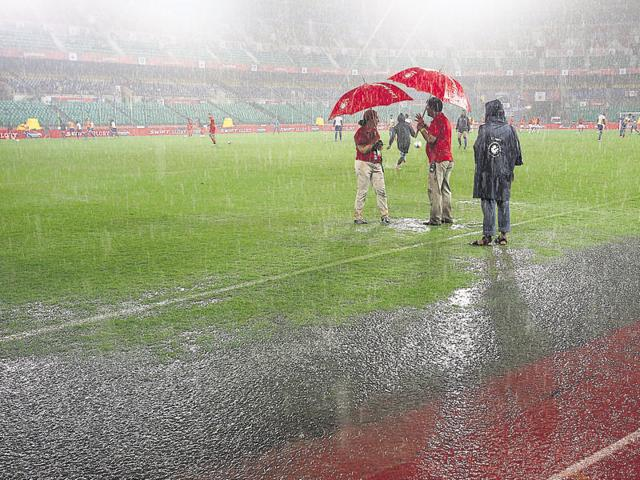 With Chennai under the weather, heavy rain left puddles on the pitch and badly affected the flow of play at the Jawaharlal Nehru Stadium.