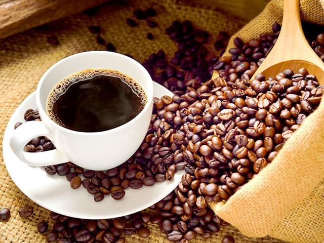 Cafestol and caffeine acid, two compounds in coffee, help in increasing insulin secretion when glucose is added.