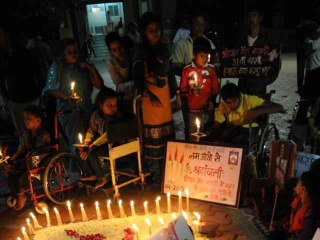 Gas Peedit Nirashrit pensioners demonstrate at Neelam Park, in Bhopal on Wednesday.