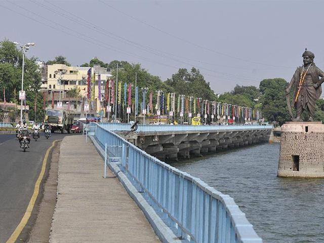 MP high court,encroachment on Sharmila's land,Bhopal Municipal Corporation