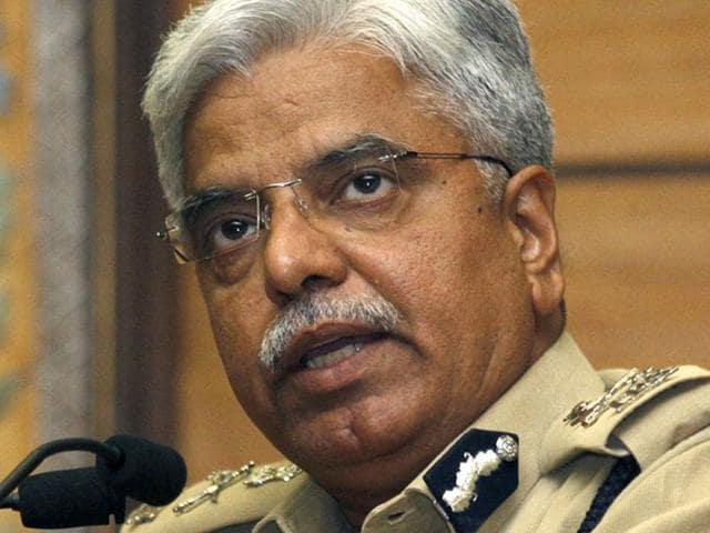 Delhi Police commissioner BS Bassi with CMArvind Kejriwal