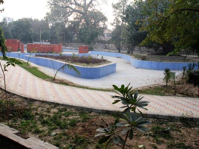 The Amritsar Improvement Trust (AIT) shelling out a fortune to construct concrete walkways at the Children's Park and the zoo in the name of maintenance and beautification of the area.