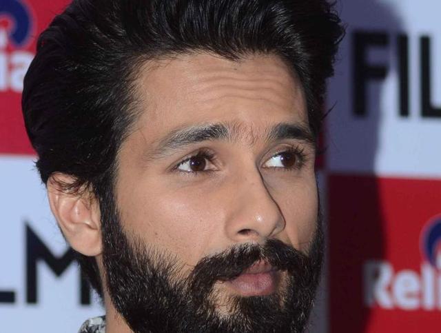 Look ma, no beard: Shahid Kapoor's new look.