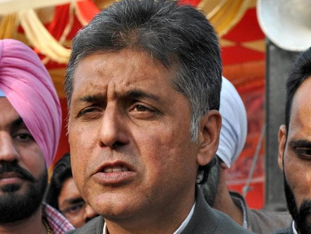 Former Union minister Manish Tewari (centre), along with former president of Chandigarh Congress BB Bahl (right), during a public meeting at Maloya in Chandigarh on Sunday.