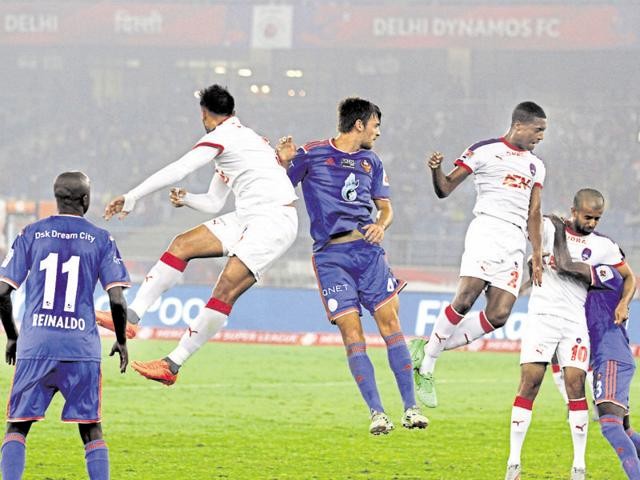 Delhi Dynamos and FC Goa  players in action during the Hero Indian Super League at Jawaharlal Nehru Stadium in New Delhi, India, on Sunday, December 6, 2015.