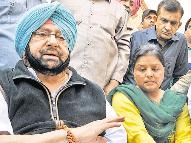 Former Punjab chief minister Capt Amarinder Singh along with CLP leader Sunil Jakhar and the lady teacher Rajni who suffered a miscarriage after she was taken into custody interacting with media in Jalandhar.