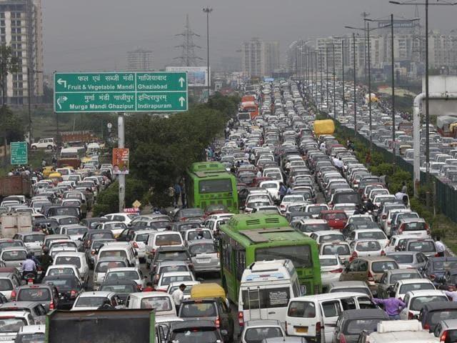 Delhi traffic rationing
