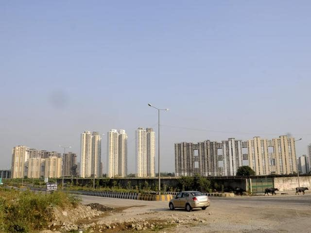 Those invested in projects near Noida Expressway want Noida Authority to upload status of completion certificates on its website