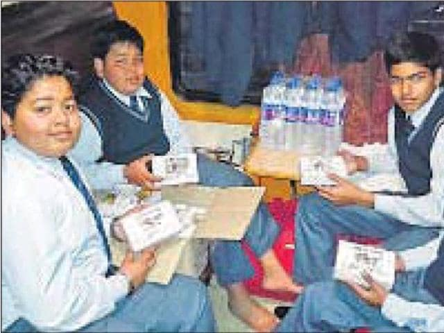Responding to a request made on Twitter, the railways provided food and water to the students and teachers who were on a train that was running considerably late.