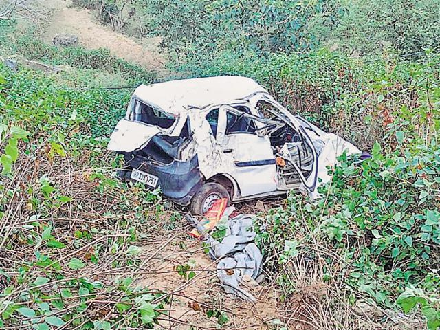 While six passengers, all residents of Kasehra village of Ladbharol area, were killed on the spot, Deva Nand of Kasehra village succumbed to his injuries at Rajendra Prasad Government Medical College, Tanda, Kangra.