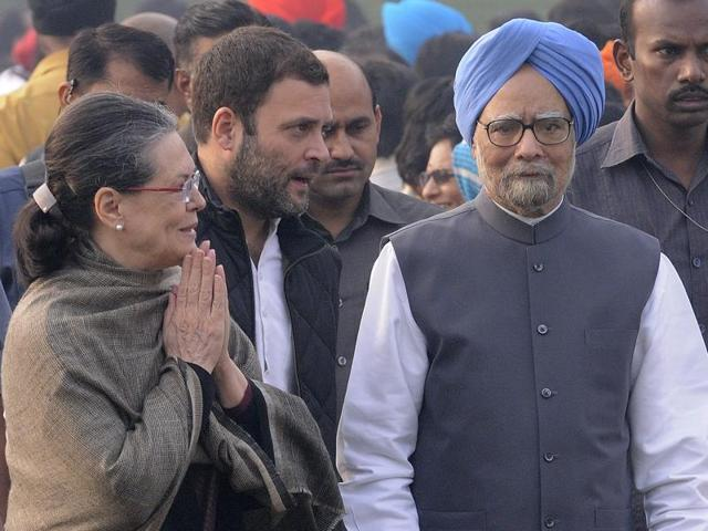 Congress President Sonia Gandhi with former prime minister Manmohan Singh. The government is reviewing a UPA decision to cancel the allotment of land to 29 religious, social and cultural organisations affiliated to the RSS.