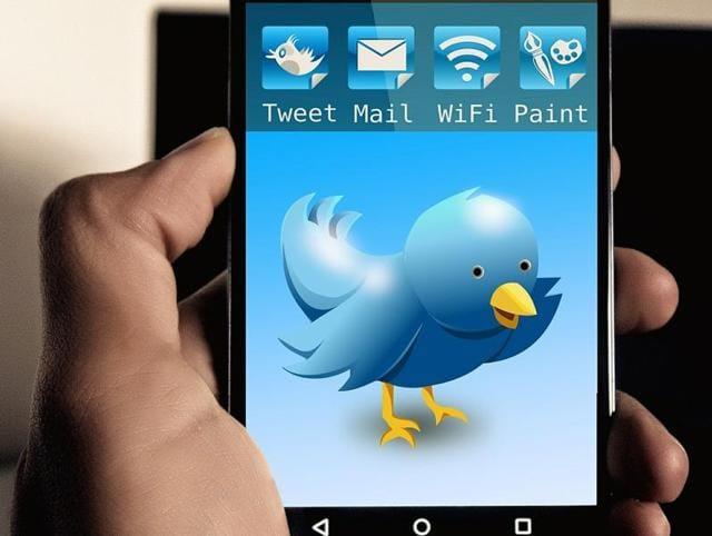 Twitter,relevance,Facebook
