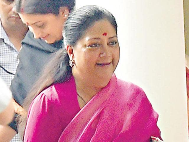Chief minister Vasundhara Raje has directed all 33 districts of Rajasthan to start competing in reducing their carbon footprints.