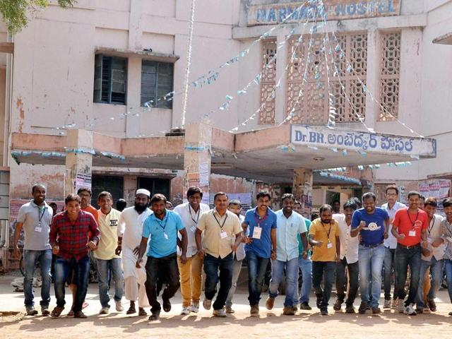 A group of students in OSmania University are planning to defy court orders and go ahead with a proposed beef festival on Thursday.