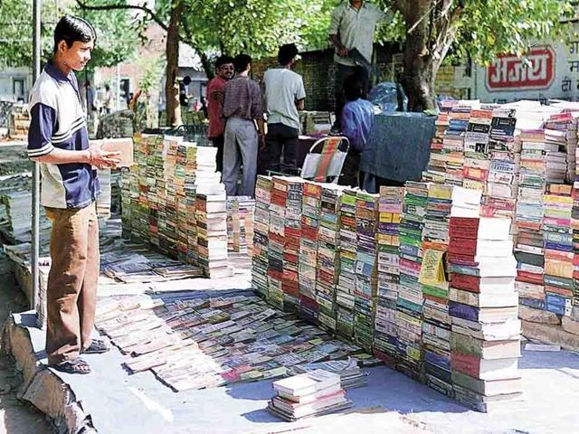 Second-hand book market in Sector 15, Chandigarh.