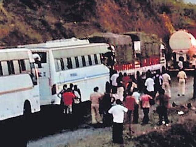 Mumbai-Goa highway,Highway accident,7 killed in road accident