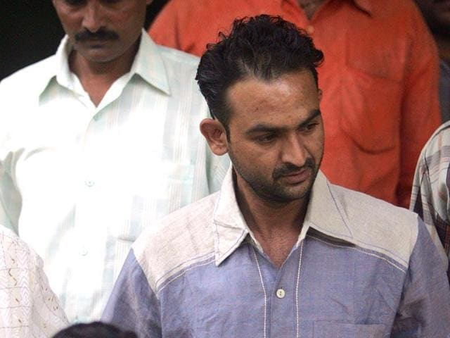 Ravindra Patil, a police constable who was appointed as Salman Khan's bodyguard, was important in the prosecution's case. He died in 2007.