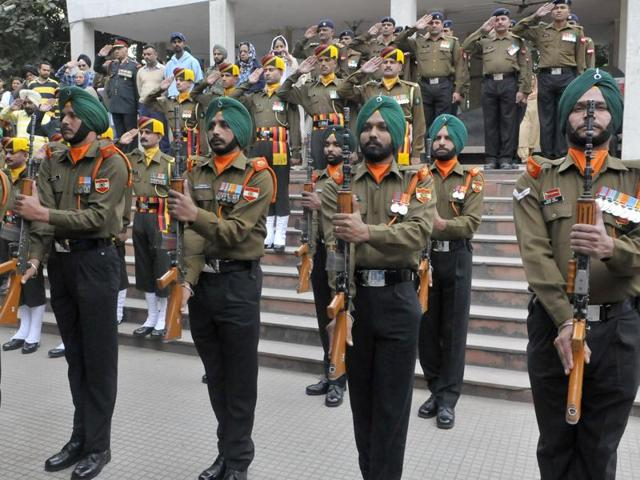 Personnel of the 5 Light Infantry paying last respects to Brigadier Sant Singh at the Sector 25 cremation ground in Chandigarh on Thursday.