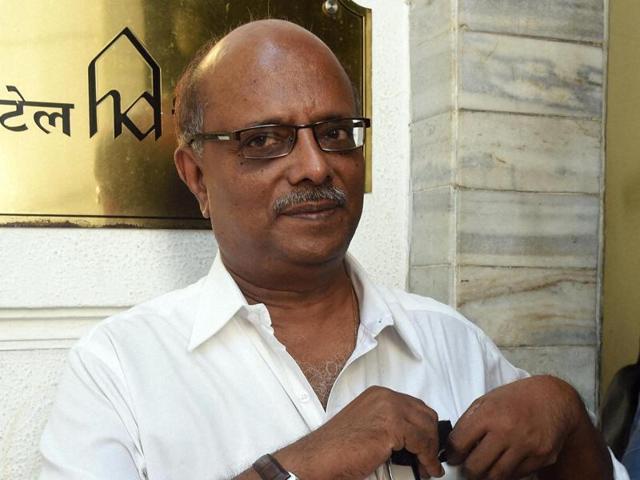 S Balakrishnan after winning the bid on the property of underworld Don Dawood Ibrahim during public auction at Hotel Diplomat in Mumbai. (HTPhoto)