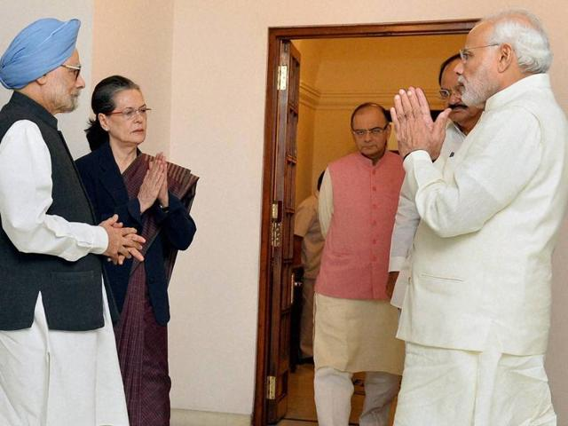 Prime Minister Narendra Modi greets former prime minister Manmohan Singh and Congress president Sonia Gandhi during a recent meeting.