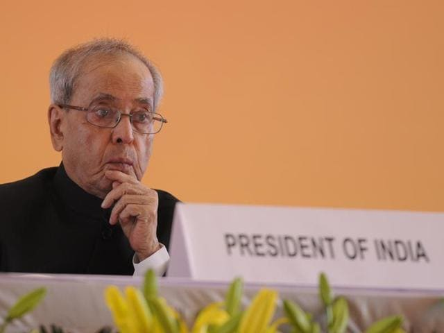 Prime Minister Narendra Modi and Congress president Sonia Gandhi extended their wishes to President Pranab Mukherjee on turning 80 on Friday.