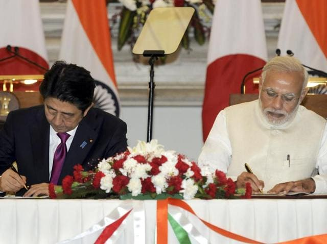 Prime Minister Narendra Modi and his Japanese counterpart Shinzo Abe signed a broad spectrum of agreements.(Sonu Mehta/HT Photo)