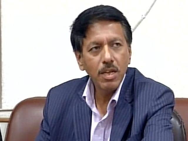 Delhi DRM Arun Arora at the press conference after his meeting with CM Arvind Kejriwal.