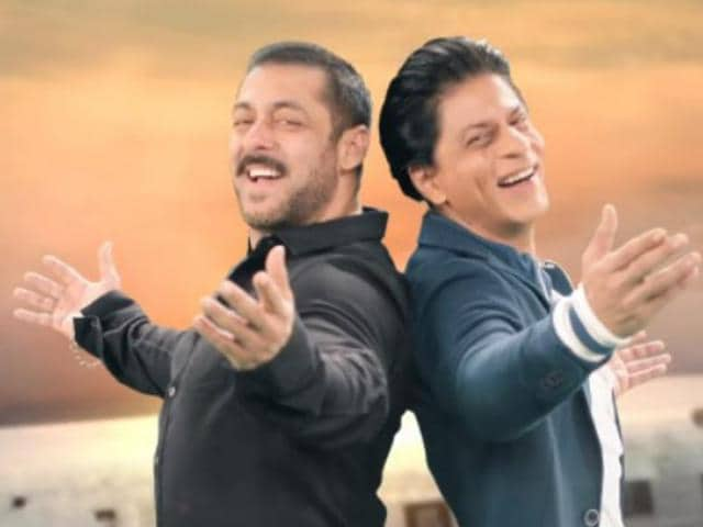 Salman Khan and SRK will be serenading each other in the mega weekend episode of Bigg Boss 9.