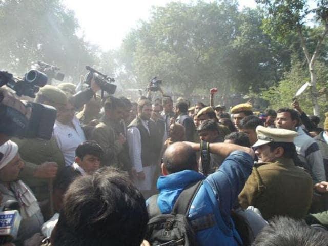 Politics over Rahul Gandhi's visit to the demolition site